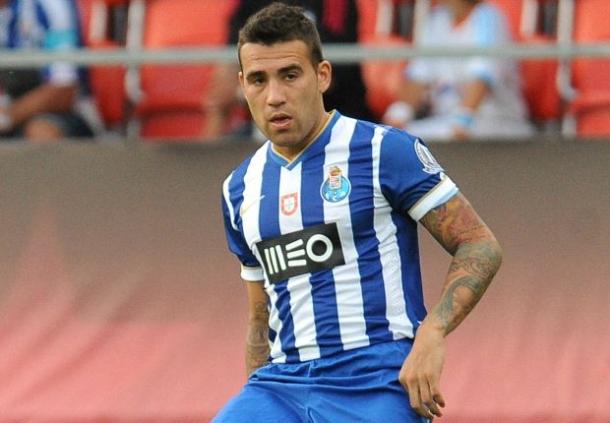 Nicolas Otamendi Konsentrasi Bersama FC Porto