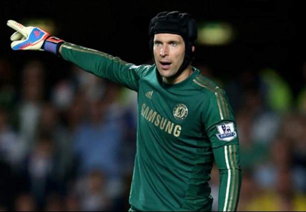 Petr Cech Bidik Kemenangan Lawan Arsenal