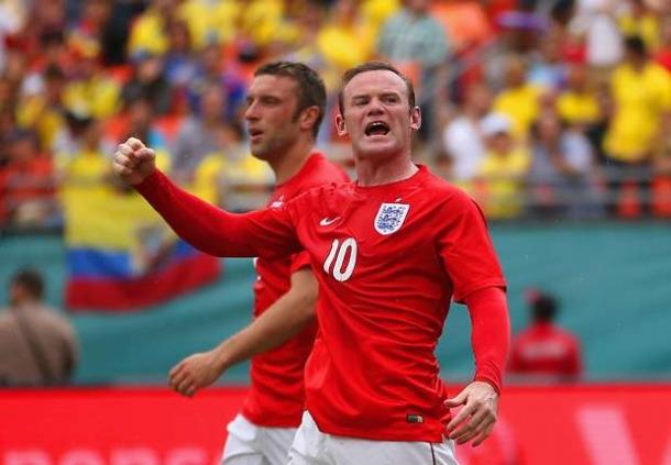 Patrick Vieira Mendukung Wayne Rooney