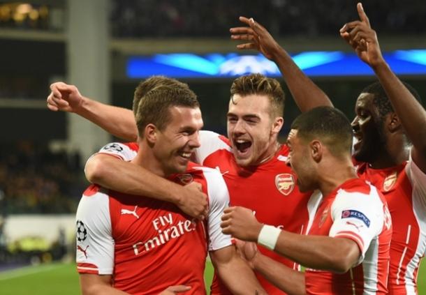 Lukas Podolski Yakin Arsenal Mampu Mengejar Chelsea